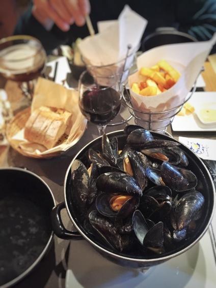 Poules moules, mussels, Bruges